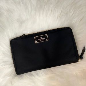 (NEW) Kate Spade Travel Wallet